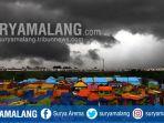 awan-hitam-di-langit-kampung-warna-warni-kota-malang_20171125_165221.jpg
