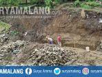 bangunan-plengsengan-dam-gajah-di-kelurahan-karangsari-kecamatan-sukorejo-kota-blitar-ambrol.jpg