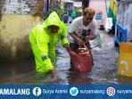 banjir-bareng-polisi.jpg