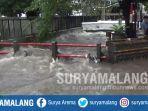 banjir-di-jalan-s-parman-kota-malang-kamis-2832019.jpg