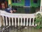 banjir-merendam-rumah-warga-di-kecamatan-benjeng-gresik.jpg