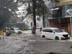 banjir-yang-terjadi-di-jalan-raya-tlogomas-kota-malang-minggu-1432021.jpg