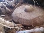 bebatuan-kuno-berbentuk-peralatan-musik-tradisional-jawa-ditemukan-di-wonosobo_20170529_195834.jpg