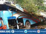 berita-kondisi-bus-rosalia-indah-yang-ringsek_20170624_145606.jpg