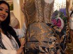berita-surabaya-model-cantik-desainer-surabaya-diana-putri-4242525.jpg