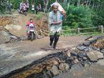 berita-trenggalek-jembatan-putus-di-desa-sidomulyo-kecamatan-pule.jpg
