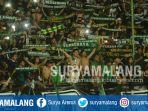 bonek-saat-mendukung-persebaya-surabaya-di-stadion-gelora-bung-tomo-surabaya_20180326_141736.jpg