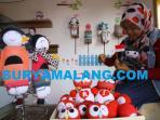 boneka-kaus-kaki-ikon-burung-hantu-merah-putih-hut-indonesia_20160817_171831.jpg