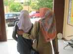 bunga-kiri-gadis-berusia-12-tahun-diperkosa-13-sopir-angkot-di-kota-samarinda_20170315_164758.jpg