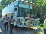 bus-mira-tabrak-pemotor-madiun.jpg