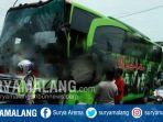 bus-restu-jurusan-surabaya-ponorogo-ringsek-akibat-menabrak-truk-di-jombang_20171218_184635.jpg