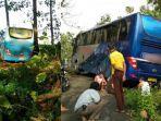 bus-tersesat-di-tengah-hutan-banjarnegara-dianggap-tak-masuk-akal-padahal-ikut-petunjuk-google-maps.jpg