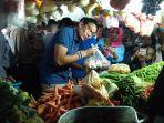 cawapres-sandiaga-uno-blusukan-pasar-tradisional-di-sidoarjo.jpg