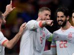 dani-carvajal-sergio-ramos-dan-isco-merayakan-kemenangan-timnas-spanyol-atas-argentina_20180608_193009.jpg