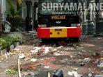 demo-ricuh-menyisakan-puing-batu-dan-botol-kaca-berserakan-di-depan-gedung-dprd-kota-malang.jpg