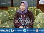 dr-ari-ambarwati-kepala-sma-islam-nusantara-kota-malang_20171101_183922.jpg
