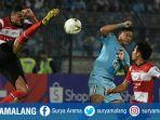 duel-persela-vs-madura-united.jpg