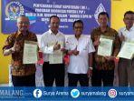 empat-kepala-smk-swasta-di-kota-malang-menerima-sk-program-indonesia-pintar_20171102_183156.jpg