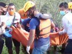 evakuais-jenazah-pria-tanpa-busana-di-persawahan-desa-ngiliran-kecamatan-panekan-magetan.jpg