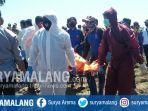 evakuais-jenazah-suada-50-di-pesawahan-dusun-pathek-desa-duwet-kecamatan-panarukan-situbondo.jpg