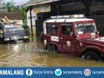 evakuasi-banjir-jember.jpg