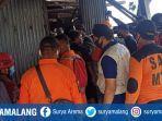 evakuasi-jenazah-kasno-55-di-sumur-sedalam-10-meter-di-desa-sidodadi-kecamatan-mejayan-madiun.jpg