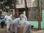 evakuasi-jenazah-marbot-di-masjid-al-ridho-jurang-mangu-timur-pondok-aren-tangerang-selatan.jpg