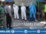evakuasi-mayat-agus-budi-tjahyono-55-di-rumah-kontrakan-di-jalan-tuban-semarang-km-5.jpg