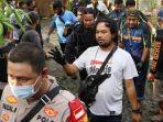 evakuasi-mayat-perempuan-yang-dimutilasi-setelah-berhubungan-intim-di-banjarmasin.jpg