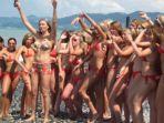 gadis-rusia-memakai-bikini_20170712_152738.jpg