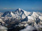 gunung-tertinggi-gunung-everest_20171226_100349.jpg