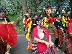 hari-tari-sedunia-world-dance-day-kampung-budaya-polowijen-kbp.jpg