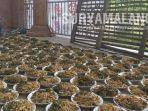 hidangan-kolak-ayam-di-masjid-sunan-dalem-yang-berada-di-desa-gumeno-manyar-gresik.jpg