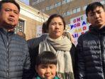 huang-zhelong-dan-istrinya-li-xiangjin-bersama-kedua-anak-laki-laki-harus-meninggalkan-amerika_20180216_150928.jpg