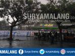 hujan-deras-mengguyur-kawasan-stadion-kanjuruhan-kabupaten-malang-minggu-8102017_20171008_145706.jpg