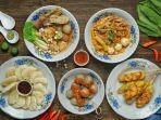 ilustrasi-makanan-tradisional-khas-bandung-ada-cireng-cilok-seblak-dan-telur-gulung.jpg