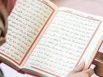 ilustrasi-seseorang-saat-membaca-kitab-suci-al-quran.jpg
