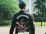 jaket-asian-games-presiden-jokowi_20180505_102049.jpg