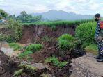 jalan-longsor-di-desa-krosok-kecamatan-sendang-tulungagung.jpg