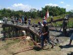 jembatan-pucangsimo-kecamatan-bandarkedungmulyo-jombang_20180506_192304.jpg
