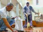 jir-harsani-saat-membantu-membersihkan-gereja-santa-lidwina-di-sleman-yogyakarta_20180212_151130.jpg