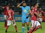 kapten-persela-lamongan-jairo-rodrigues-bali-united-stadion-surajaya.jpg