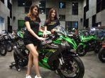 kawasaki-new-ninja-zx-10-r-berkapasitas-mesin-1000-cc.jpg