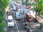 kecelakaan-di-jalan-darmo-surabaya_20171109_122946.jpg