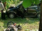 kecelakaan-mobil-daihatsu-xenia-dan-motor-di-jalan-raya-kawasan-hutan-cendoro-mojokerto.jpg