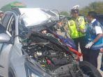 kecelakaan-mobil-rush-dan-truk-boks-di-jalan-tol-surabaya-mojokerto.jpg