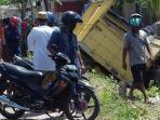kecelakaan-motor-dan-truk-di-jalan-raya-pakah-soko-di-desa-sumberejo-rengel-tuban.jpg
