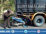 kecelakaan-motor-vs-truk-di-jalan-raya-desa-pasiraman-wonotirto-kabupaten-blitar.jpg