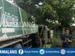 kecelakaan-truk-trailer-menabrak-rumah-warga-di-dusun-telogogede-trowulan-kabupaten-mojokerto.jpg