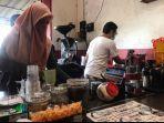 kedai-kopi-klodjen-djaja-kota-malang-membagikan-kopi-gratis-untuk-memperingati-hari-kopi-nasional.jpg